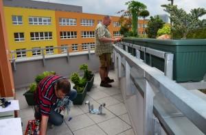 Osázení truhlíků | Foto: Magda Lebišová - Rozkvetlý domov